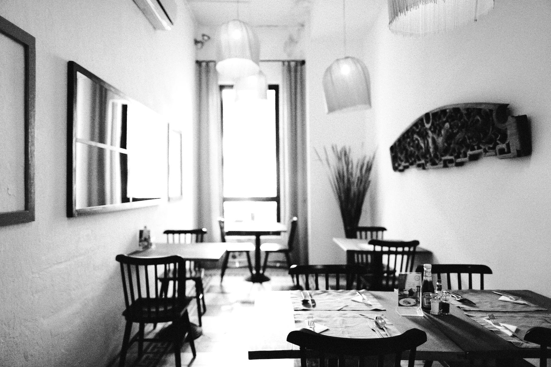 Meatball Cookery Saigon ©PulpCollectors 14