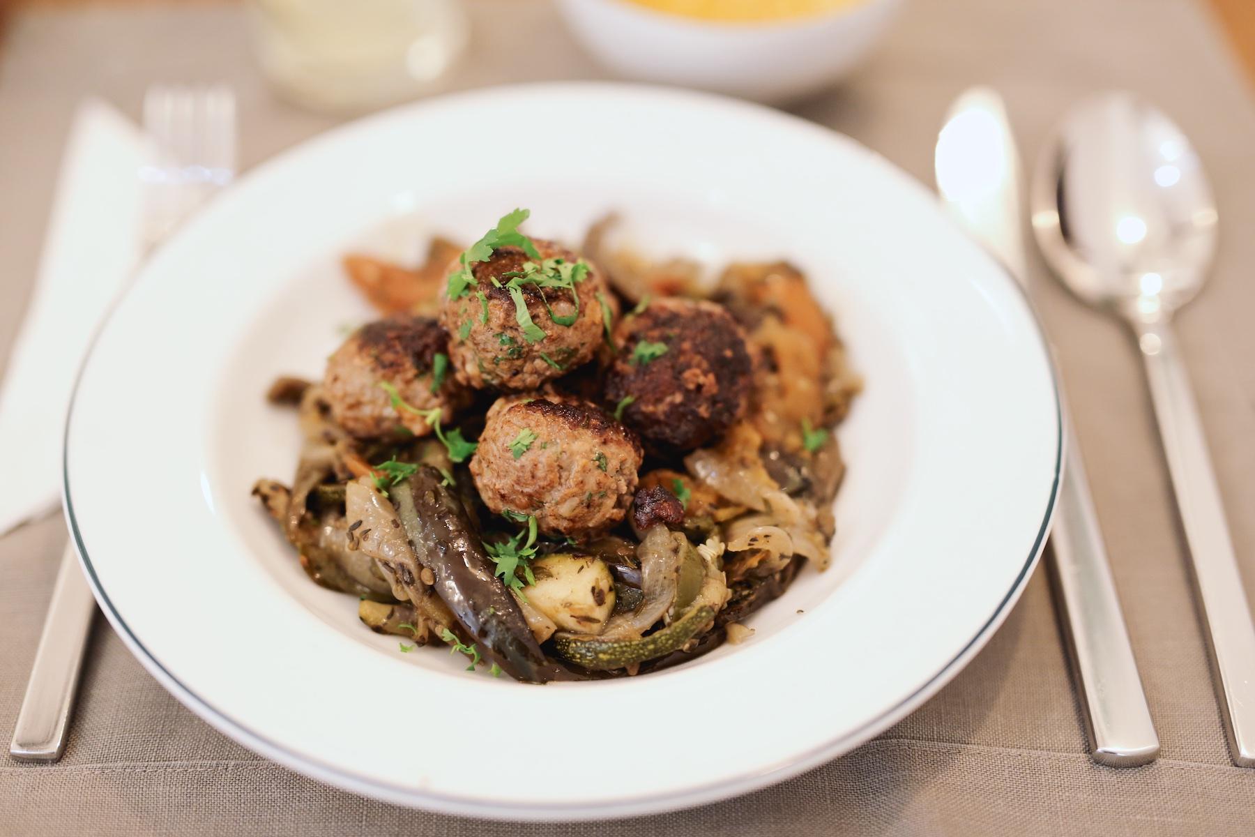 Meatball Cookery Saigon ©PulpCollectors 4